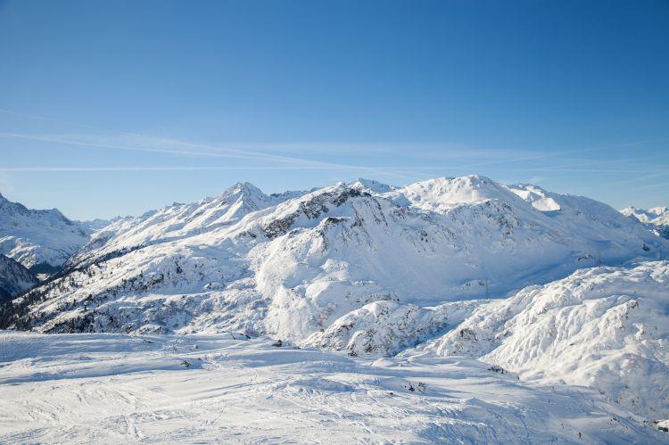 как переночевать зимой в горах