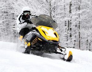 катание на снегоходе